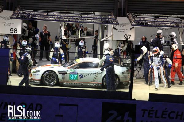Aston Martin Racing (31)